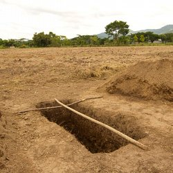 A grave waits to be filled, Honduras (photo by Marc Silver)