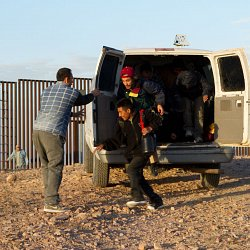 Filming a scene at the US / Mexico border (photo by Marc Silver)