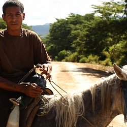 Teenager in El Escanito, Honduras having returned from the US (photo by Marc Silver)